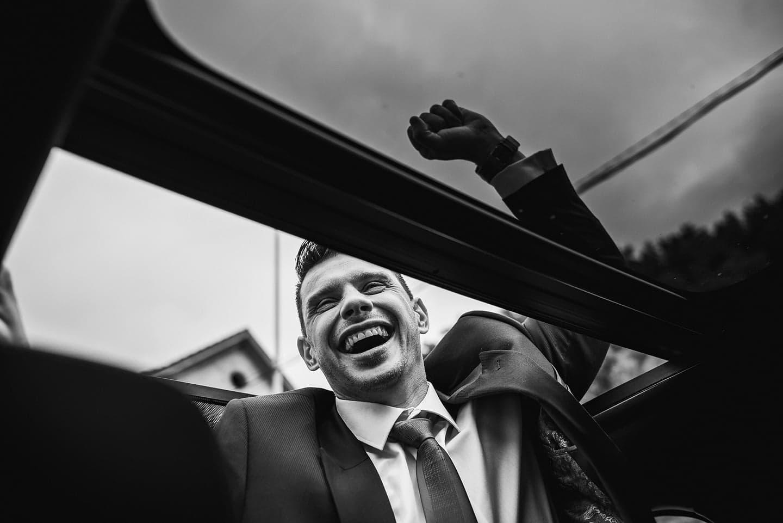 groom happy moment